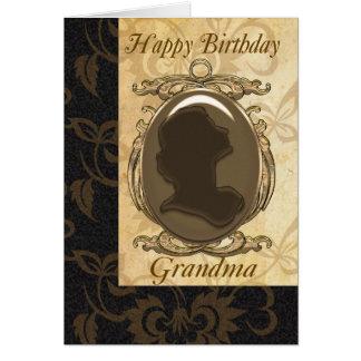 Carte d'anniversaire de grand-maman avec la camée
