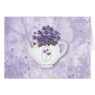 Carte d'anniversaire de violettes de théière (gros
