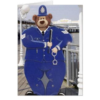 Carte d'anniversaire d'ours de nounours de police