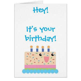 Carte d'anniversaire mignonne de gâteau