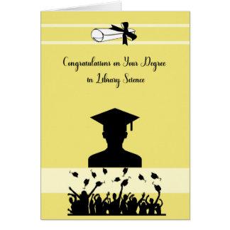 Carte de degré en bibliothéconomie avec le diplômé