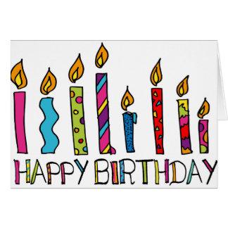 Carte de joyeux anniversaire avec les bougies