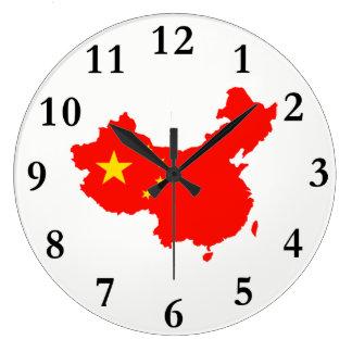 Carte de la Chine et horloge de drapeau