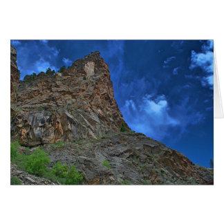 Carte de note de falaises et de nuages (blanc)