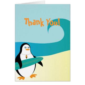 Carte de remerciements de pingouin de surfer de