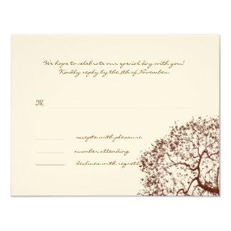 Carte de réponse de monogramme de mariage d'arbre