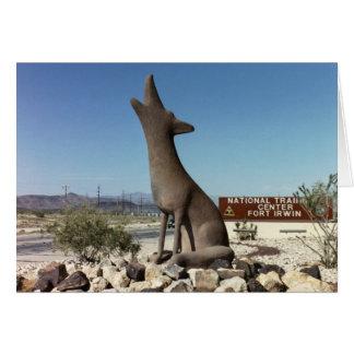 Carte de statue de coyote de porte avant de pi