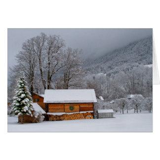 Carte de vacances de grange d'hiver