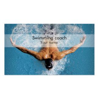 Carte de visite élégant d'entraîneur de natation