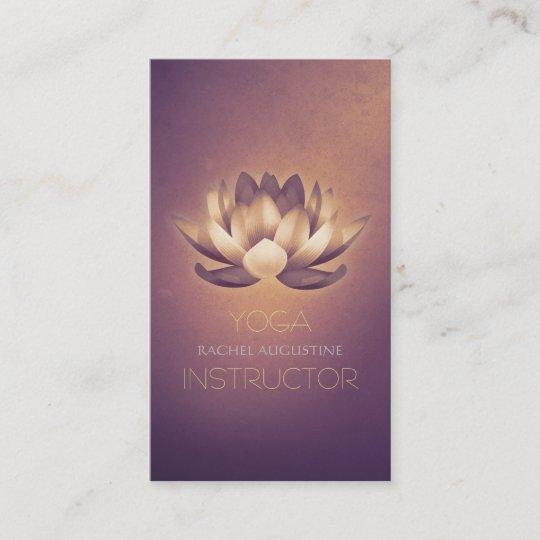 Carte De Visite Lotus Rougeoyant Pourpre Et Instructeur Yoga
