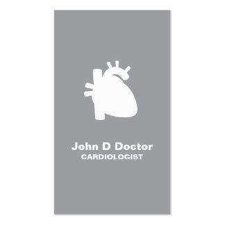 Carte de visite moderne de coeur de cardiologie de