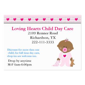 Carte de visite rose de Childcare de coeurs
