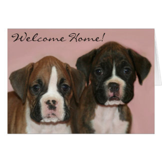 Carte de voeux à la maison bienvenue de chiots de