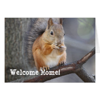 Carte de voeux à la maison bienvenue d'écureuil