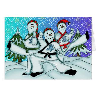 Carte de voeux de bonhommes de neige de karaté