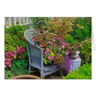 Carte de voeux de chaise de jardin