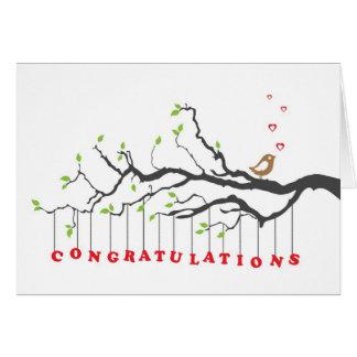 Carte de voeux de félicitations avec l'oiseau sur
