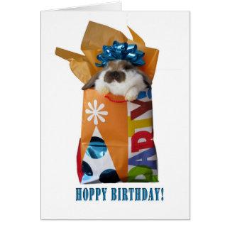 Carte de voeux de lapin d'anniversaire