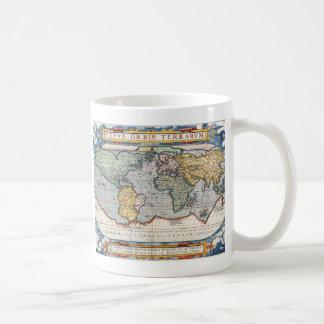 Carte du 16ème siècle antique du monde mug