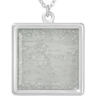 Carte du monde 5 collier
