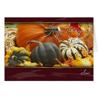 Carte du thanksgiving du fils avec des citrouilles