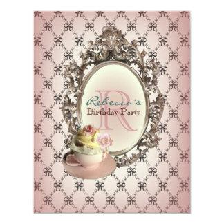 Carte fête d'anniversaire vintage de petit gâteau floral