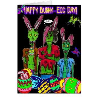 carte heureuse de jour de lapin-oeuf