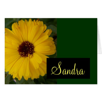 Carte jaune de fleur de Calendula avec le nom