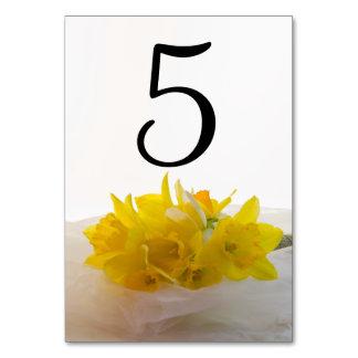 Carte Jonquilles jaunes sur les nombres blancs de