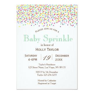 Carte Le bébé d'arc-en-ciel arrosent l'invitation