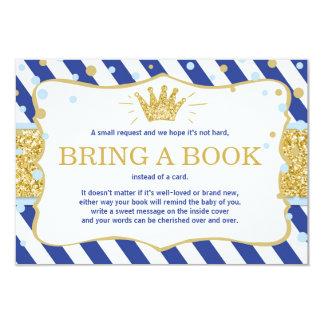Carte Le petit prince apportent à un livre la couronne