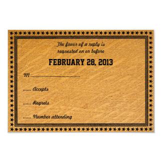 Carte l'épousant en bois brûlée occidentale de cartons d'invitation personnalisés