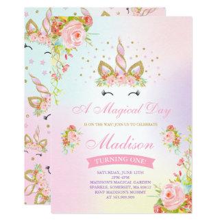 Carte Licorne d'or de rose d'invitation d'anniversaire