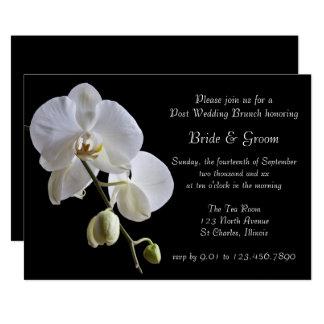 Carte Orchidée blanche sur le brunch noir de mariage de