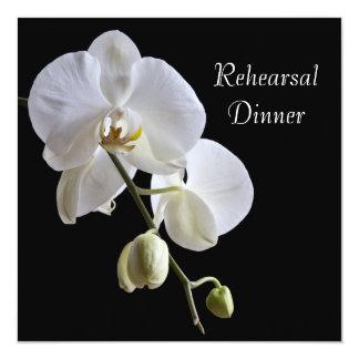 Carte Orchidée blanche sur le dîner noir de répétition