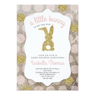 Carte Peu de baby shower de thème de Pâques de lapin