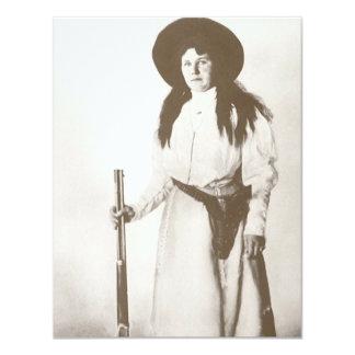 Carte Portrait 1910 de photo d'une cow-girl tenant un