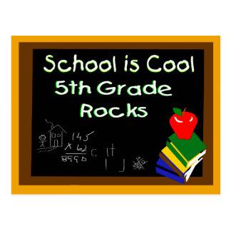 Carte Postale 5ème L'école primaire est fraîche