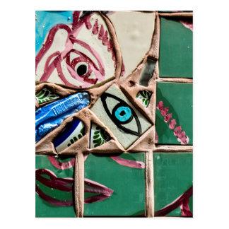 Carte Postale À l'intérieur de regarder le graffiti de mosaïque