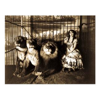 Carte Postale Adjie et les lions 1899 cirques vintages