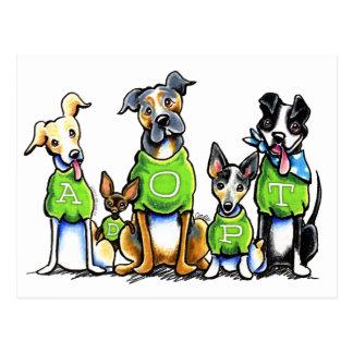 Carte Postale Adoptez les chiens d'abri le tee - shirt que vert
