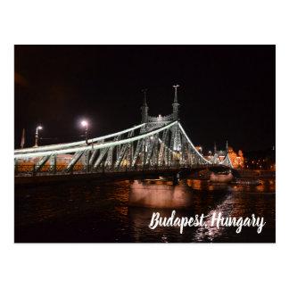Carte postale affamée de pont de vue de nuit de