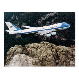 Carte Postale Air Force One au-dessus du mont Rushmore