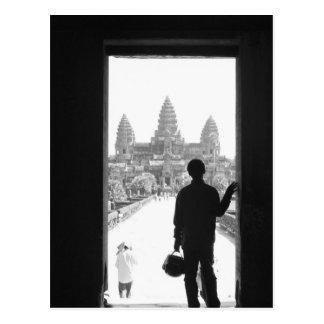 Carte Postale Angkor Cambodge, porte et personne Angkor Vat