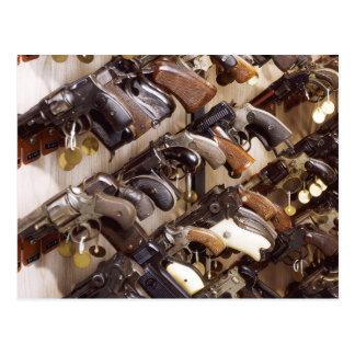 Carte Postale Armes à feu confisquées aux sièges sociaux de FBI