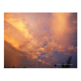 Carte Postale Arrangement de Sun derrière des nuages
