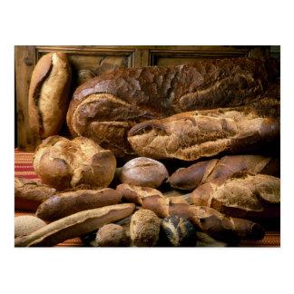 Carte Postale Assortiment des pains de style campagnard pour