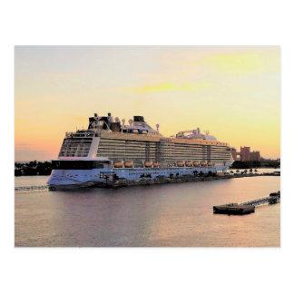 Carte Postale Aube de port de Nassau avec la coutume de bateau