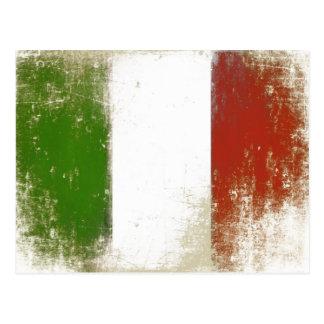 Carte postale avec le drapeau vintage sale d'Itali