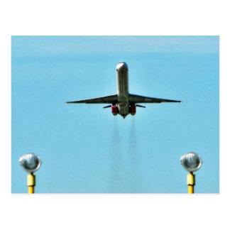 Carte Postale Avion décollant sur l'aéroport